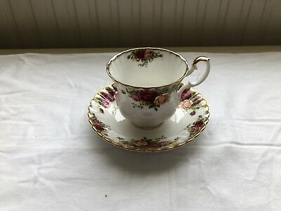 Royal Albert 'Old Country Roses' Tea Cup & Saucer