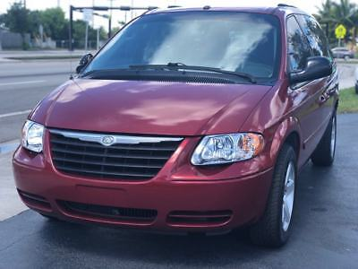 2006 Chrysler Town & Country  2006 Chrysler Town and Country LX 4dr Extended Mini Van Cold AC Florida