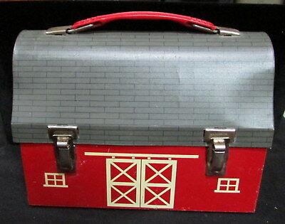 VINTAGE 1950's AMERICAN THERMOS CO. AMERICANA BARN DESIGN  METAL LUNCHBOX