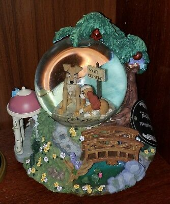 Lady and the Tramp Snowglobe Wet Cement Apple Tree Themepark Exclusive Figurine