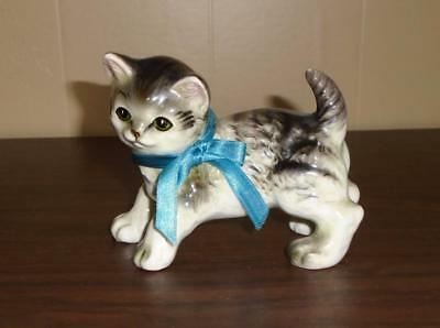 VTG 1940s 1950s GRAY TABBY CAT FIGURINE W/ BLUE BOW OCCUPIED JAPAN POTTERY