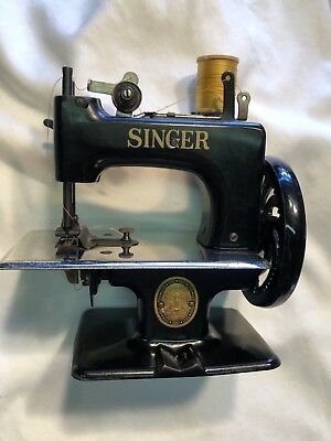 RARE VINTAGE MINI Singer Mfg Co Antique Sewing Machine 40 40 Mesmerizing The Singer Manufacturing Co Sewing Machine Ebay