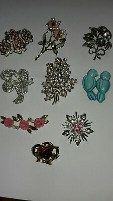 Job lot of vintage brooches x9