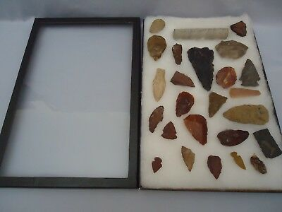 Display Case of 25 pcs Artifacts Authentic Indian Points Arrowheads Flint Stones