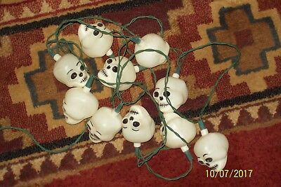 """Vintage""  ~ Halloween ~ Blow Mold ~ Blinking ~ Skull String Lights ~ 10 Skulls"