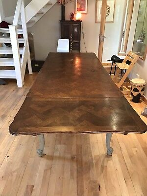 Large French Vintage Louis XV style oak draw leaf extending dining table