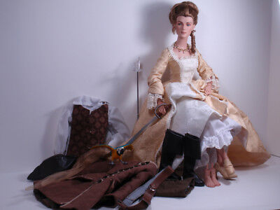 Elizabeth Swann doll Tonner Pirates of the Caribbean Court Gown High Seas Extras