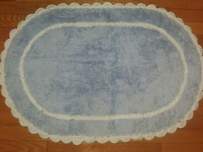 Sweet Vintage 1950's Chenille  Bathroom Rug W/ Scalloped Edges Vgc!
