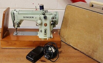 Singer ELECTRIC 320K Sewing Machine with Case and Foot Pedal - 250