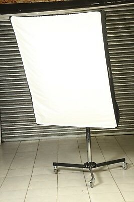 Bowens BW-1197  Wafer 140 Softbox + Speedring and Bowens S-Type Adaptor + Case