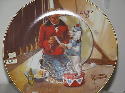"Norman Rockwell Plate ""WHILE THE AUDIENCE WAITS"" Rockwell Museum Classic NIB"