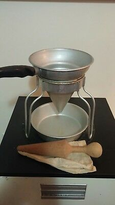 Vintage Wear-Ever Colander Strainer Sieve Tomato Juicer W/Stand, Pestle, Pan