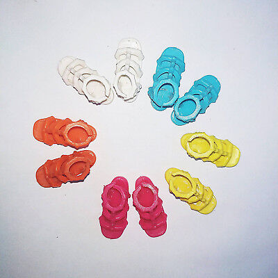2017 Barbie Fashion and Beauty Doll Shoes : 5 Pairs of Sandals In Various Colors