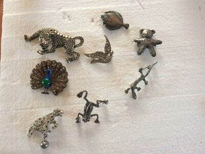 Lot de 8 broches anciennes