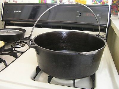 """Antique Cast Iron Dutch Oven With Bail Handle  5 Qt  10""""  Made In U.s.a.!"""