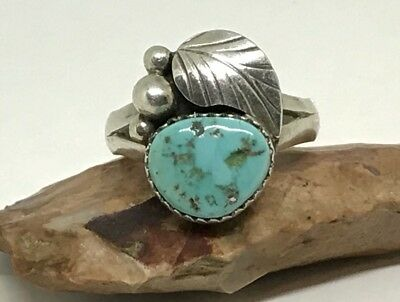 VINTAGE OLD PAWN NAVAJO STERLING SILVER TURQUOISE FEATHER BAND RING (Sz. 8.75)