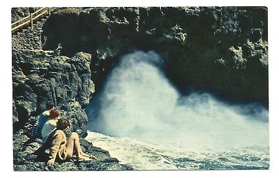VIC - c1960s POSTCARD - CLOSE-UP VIEW OF THE BLOWHOLE, PHILLIP ISLAND, VICTORIA