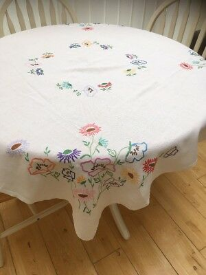 Lovely Vintage White Hand Embroidered Linen Tablecloth