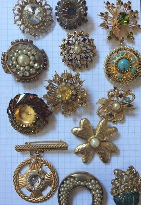 Lot de 13 broches diverses