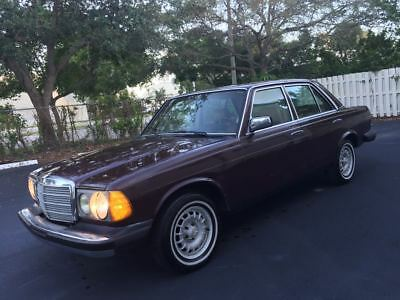1985 Mercedes-Benz 300-Series Turbo Diesel Classic 1985 Mercedes 300D Turbodiesel Low Miles Clean Autocheck Well Maintained