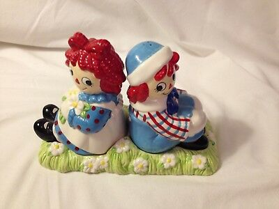 Treasure Craft Raggedy Ann & Andy Collectible Salt & Pepper Shakers Never Used