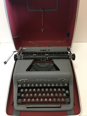 Royal Quiet De Luxe Typewriter, Antique Portable Typewriter With Case Key 1953
