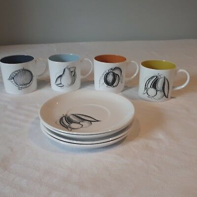 """SUSIE COOPER """"BLACK FRUITS"""" COFFEE CUPS AND SAUCERS x 4"""