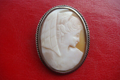 RARE ANTIQUE VICTORIAN CARVED CAMEO set in a silver frame BROOCH PIN PENDANT