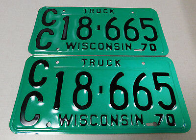 1970 Wisconsin calibrated truck license plate pair
