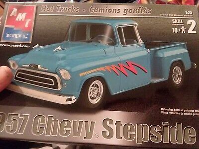 New Opened box AMT 1957 Chevy Stepside Hot Rod #6309 1/25 Model Kit