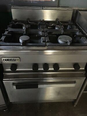 ZANUSSI 4 Burner gas cooker. Excellent condition