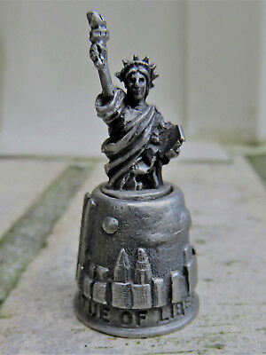 PEWTER Statue of Liberty Souvenir Sewing Thimble NY Skyline Twin Towers Made UK