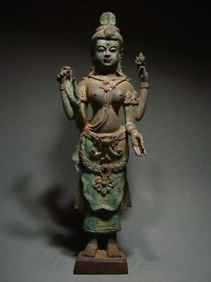 ANTIQUE BRONZE KHMER STATUE OF A HINDU GODDESS, PALA INFLUENCE. 17/18th C.