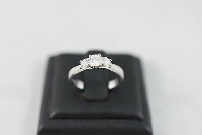 Ring Ladies 18ct White Gold Diamond Set Ring Engagement Dress Ring