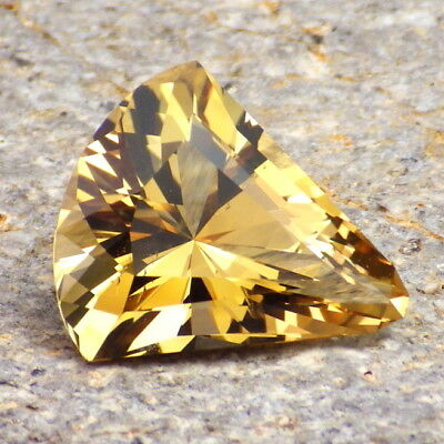 NATURAL CITRINE-MALAWI 8.08Ct CLARITY VS2-A VERY BRIGHT PERFECTLY CUT GEM-VIDEO