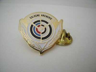 Rare Pin's Pins PIN Badge SOLOGNE - ARCHERIE TIR A L'ARC ARBALETE ARCHERY TOP !