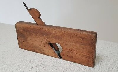 Antique Martin & Shaw Wooden Moulding Wood Plane (circa mid to late 1800s)