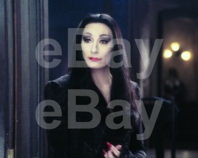 Addams Family Values (1993) Anjelica Huston 10x8 Photo