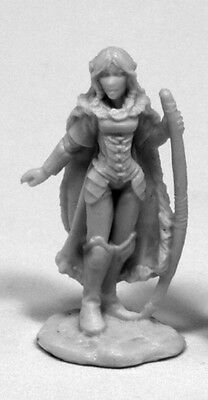 DHL Reaper Miniatures Female Elf Ranger and Panther Aeris 03401