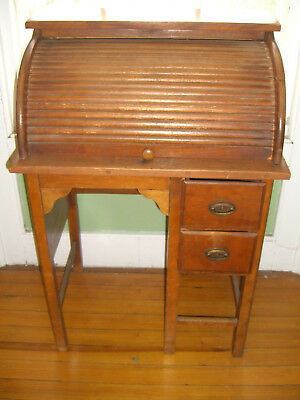 Vintage Childs Roll Top Desk c. 1930-1940,  looks like a Paris Mfg. Co.