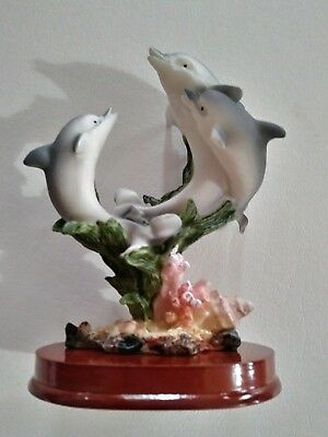 New Porceline Dolphin Family Figurine 5.5 inches tall