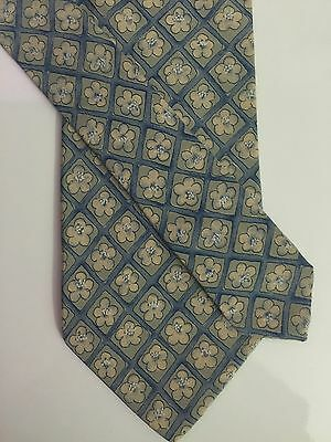 NWT Hugo Boss Geometric Floral 100% Silk Tie Made In Italy Blue