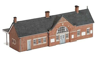Hornby Skaledale High Brooms Station R9818 OO Scale (suit HO Also)