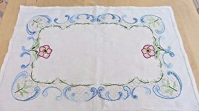 Vintage English 1930s cotton tablecloth with long stitch embroidery