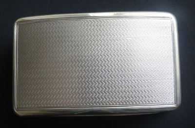 SUPERB LARGE ANTIQUE GEORGIAN ENGLISH STERLING SILVER TABLE SNUFF BOX, c1824