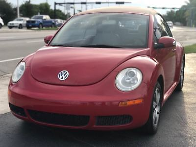 2006 Volkswagen Beetle-New  2006 Volkswagen New Beetle 2.5 2dr Convertible w/Automatic Cold AC Florida