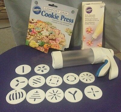 Wilton Cookie Press Comfort Grip Easy Squeeze Handle & 12 Disks EUC