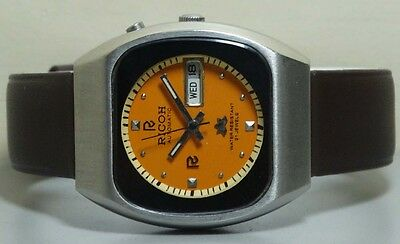 Vintage Ricoh Automatic Day Date Mens Wrist Watch R704 Old Used Antique Orange