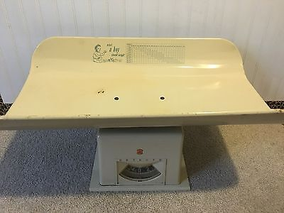 Vintage Detecto 1950's Baby Scale Great Graphics Great Condition