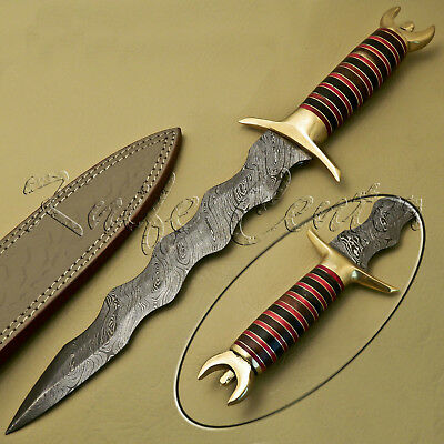 Beautiful Custom Hand Made Damascus Steel Hunting Knife / Wavy Dagger Knife